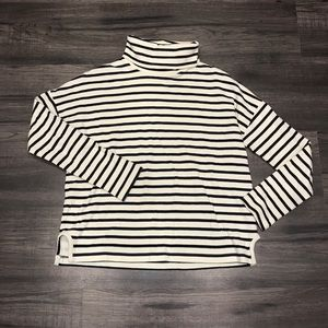 Madewell 💜 Black & White Striped Turtleneck Tee!